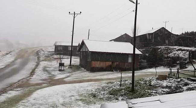 Zirveye İlk Kar Yağdı...