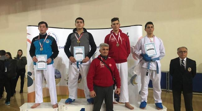 Karateciler, Uşakta Madalya Bırakmadı...