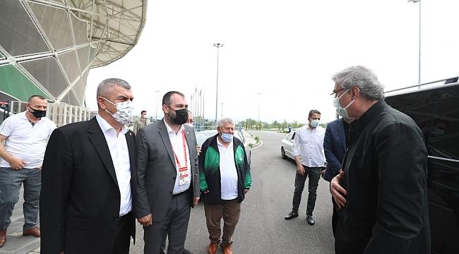 Başkan Yüce: Sakaryaspor'un üst lige çıkacağına inanıyoruz...